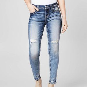 Mid-Rise - Curvy Ankle Skinny
